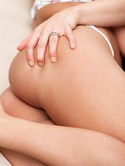 Kenna James licks Mia Malkova's breasts and wet pussy